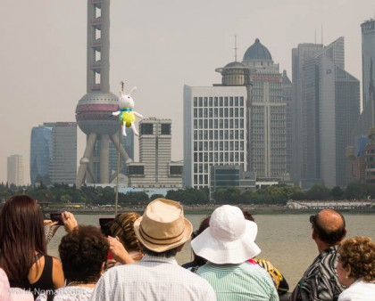 China-Shanghai-tourist-group