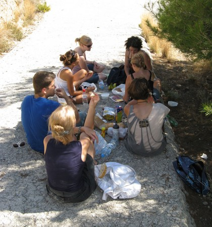 Picnic and later trekking with Granadian students from Canada, France and Poland