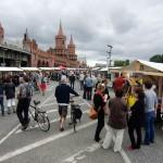 Oberbaumbrucke market