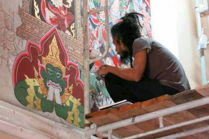 Prachuap Khiri Khan temple painter