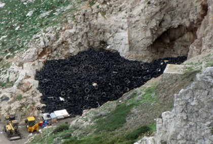 Car tires (hill), Gibraltar