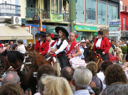 Fuengirola - horse parade in the streets