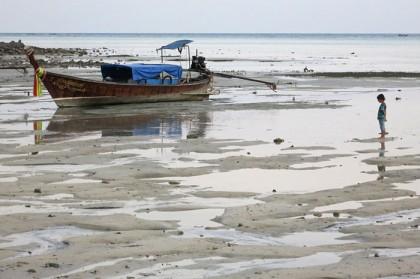 Ko Phi Phi low tide