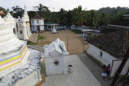Sri Lanka travel story - Dickwella Wewurukannla temple