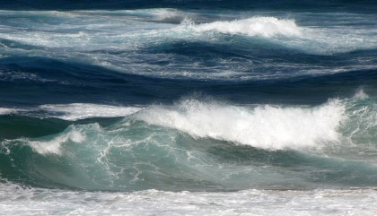 Strong waves & current in Mozambique