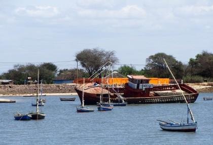 Zitundo stranded boat